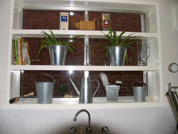 Contemporary Kitchen Tiny Kitchen