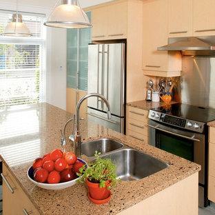Traditional kitchen ideas - Kitchen - traditional kitchen idea in Orange County