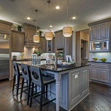 Contemporary Kitchen by Linfield Design Associates