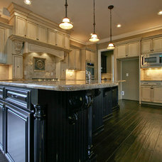 traditional kitchen by Andrew Thornburg