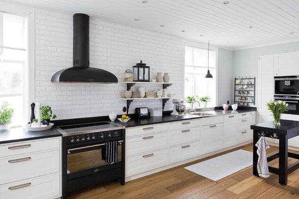 Scandinavian Kitchen by Kungsäter Kök Göteborg