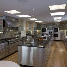 Modern Kitchen by Tomar Lampert Associates