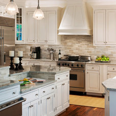 Transitional Kitchen by Barnes Vanze Architects, Inc