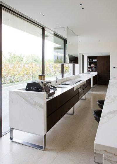 Modern Kitchen by Rob Mills Architecture & Interiors