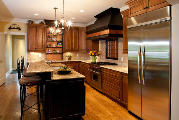 Traditional Kitchen by Donna F. Boxx, Architect, P.C.