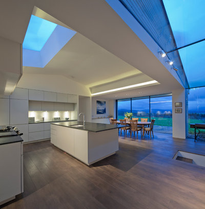 Contemporary Kitchen by DRBarbour Photography