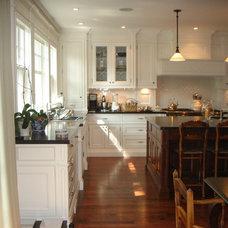 Traditional Kitchen by Heintzman Sanborn Architecture~Interior Design