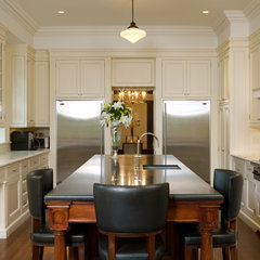 traditional kitchen by Heintzman Sanborn Architecture~Interior Design