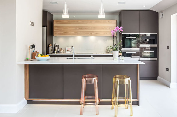 Contemporary Kitchen by L&E (Lofts and Extensions)
