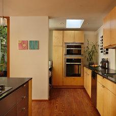 Modern Kitchen by David Coleman / Architecture