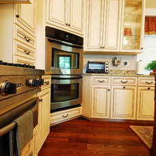 Traditional Kitchen by Kitchen Saver