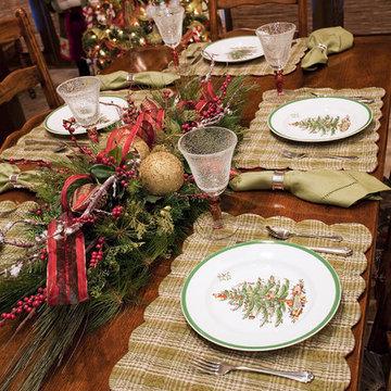 Traditional Christmas Breakfast Room