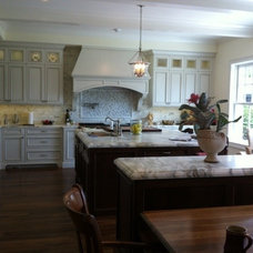 Traditional Kitchen by Victory Homes & Development, Inc.