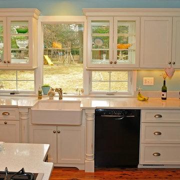 Traditional Coastal Kitchen Design