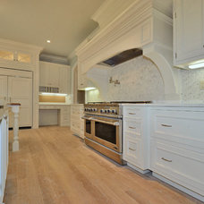 Traditional Kitchen by L&L Builders Corp