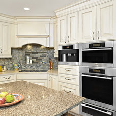 Traditional Kitchen by Cucina Bella Ltd. - Rebecca Gagne CKD