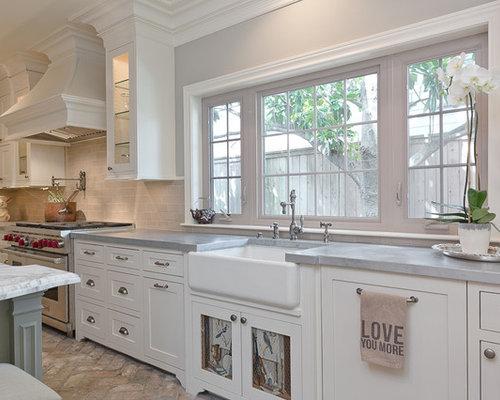 best ralisation dune cuisine ouverte champtre en u de taille moyenne avec un vier de cuisine. Black Bedroom Furniture Sets. Home Design Ideas