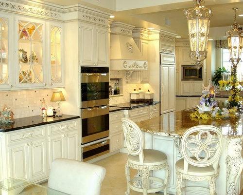 cuisine victorienne avec un sol en carrelage de c ramique photos et id es d co de cuisines. Black Bedroom Furniture Sets. Home Design Ideas