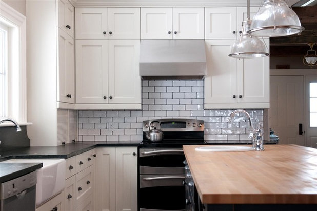 American Traditional Kitchen by Rebecca Melo
