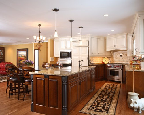 14,223 Traditional Kitchen Design Photos with Dark Wood Cabinets ...