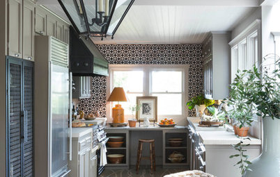 Kitchen of the Week: Simple Lines and Bold Color
