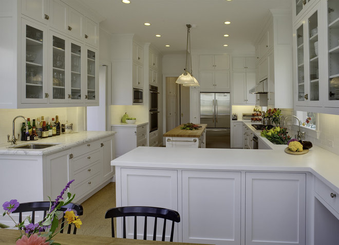 Traditional Kitchen by Mahoney Architects & Interiors