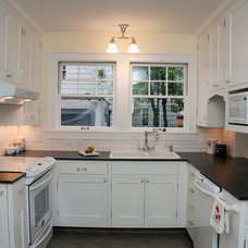 Traditional Kitchen by Karen Richmond, Neil Kelly Company
