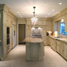 Traditional Kitchen by Atlantic Construction Consulting