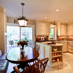 traditional kitchen by Avalon Interiors