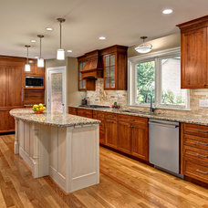 Traditional Kitchen by Boyer Building Corporation