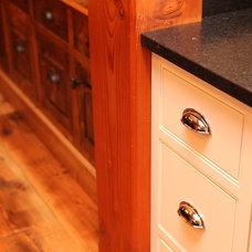 Traditional Kitchen by Wesley Ellen Design & Millwork