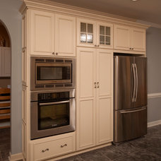 Traditional Kitchen by Bill Cederberg
