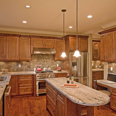 Traditional Kitchen by Clay Construction Inc.