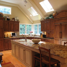 Traditional Kitchen by Conestoga Valley Custom Kitchens Inc.