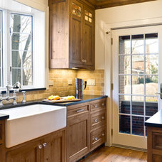 Traditional Kitchen by d+b kitchen design concepts