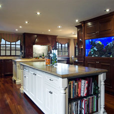 Traditional Kitchen by D M Designs