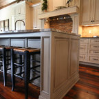 Traditional Kitchen Design with Custom Mouser Cabinetry ...