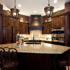 Traditional Kitchen by Designer's Touch