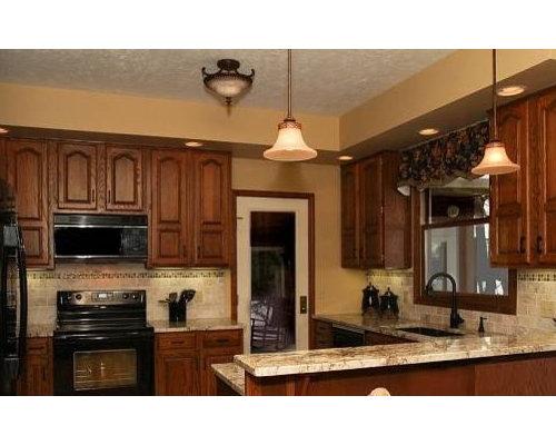 Elegant Kitchen Photo In Cleveland