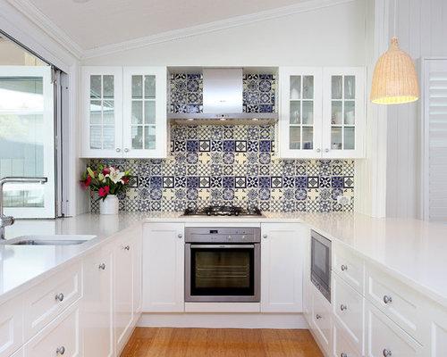 Mid Sized Elegant U Shaped Bamboo Floor Kitchen Photo In Brisbane With An Undermount