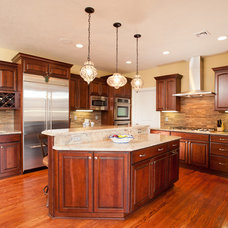 Traditional Kitchen by Eddy Homes