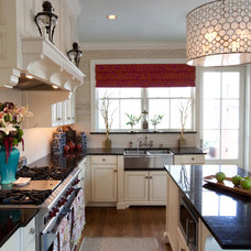 Traditional Kitchen by Amanda Austin Interiors