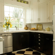 Traditional Kitchen by Emery & Associates Interior Design