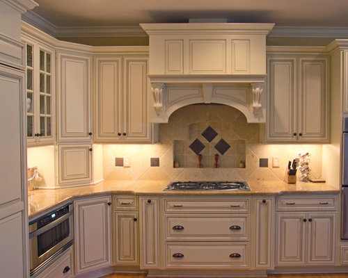 Glazed cream cabinets houzz for Cream kitchen cupboards