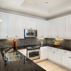 Traditional Kitchen by Ethan Tweedie Photography