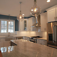 Traditional Kitchen by EXCEED FLOOR & HOME