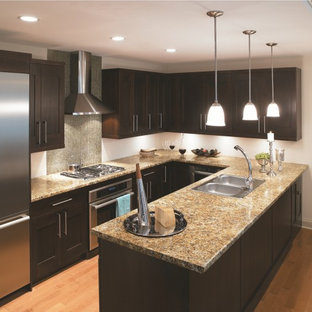 Traditional kitchen ideas - Kitchen - traditional kitchen idea in Cincinnati