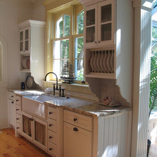 Traditional Kitchen by Geneva Cabinet Company