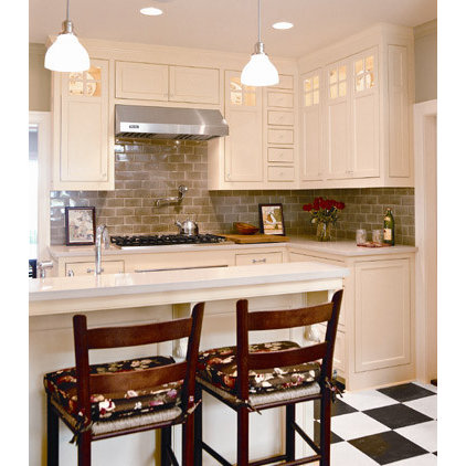 traditional kitchen by Laura Britt Design