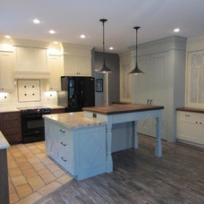 Traditional Kitchen by Mankato CabinetCraft